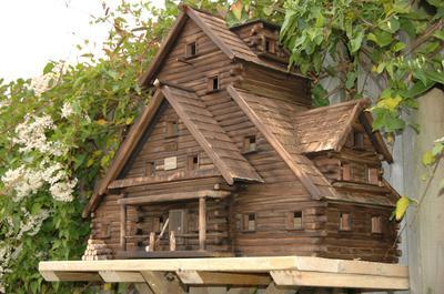 log house bird feeder